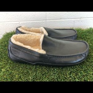Men's UGG Ascot Black leather Slippers sz 11